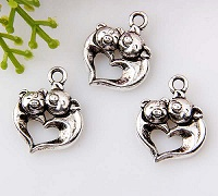 Pigs in Love Charm